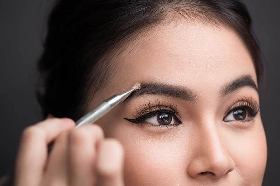 You Can Still Style Your Eyebrows After A Transplant