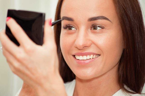 eyebrow-tattooing-vs-eyebrow-restoration-find-best-option
